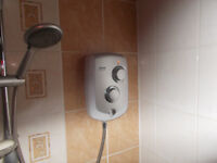 TRITON TRANCE 2ND GENERATION SHOWER 5 MONTHS OLD