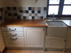 Howdens Kitchen - Country Shaker Style Fully Fitted