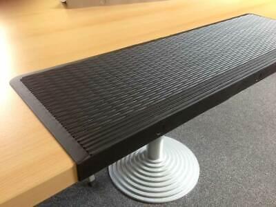 Aus Gummi (Stufenmatten aus Gummi - schwarz - 3 Stück - 75 x 25 cm - Stufenkante 3 cm)