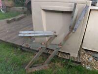 Campervan bed/seat hinges