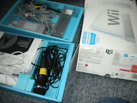 wii concolse and board three games and one mic