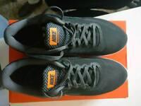 Nike revolution 3. Size 9,5