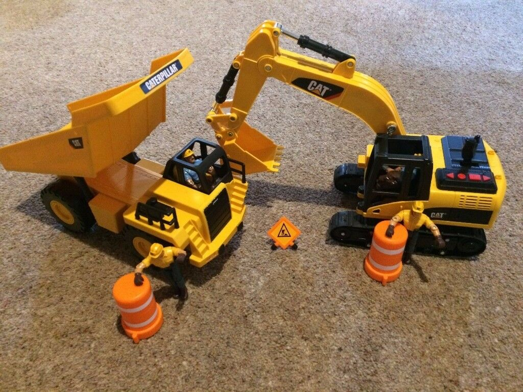 Caterpillar Sounds and Movement JCB and Dump Truck.