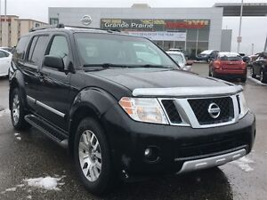 2011 Nissan Pathfinder FULLY LOADED | DVD PLAYER | 7 PASSENGER