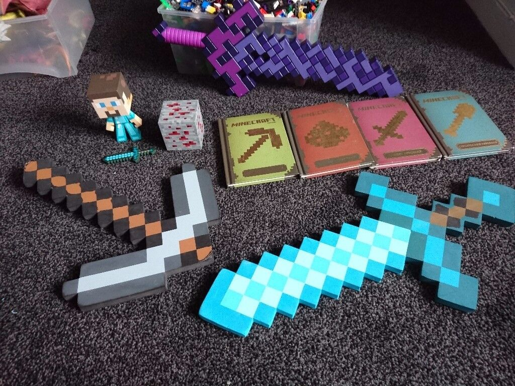 Assorted minecraft lot