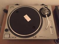 x2 Technics 1200 MK2 DJ turn table record player - Silver