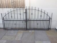 set of arched ball topped driveway gates / double gates £130