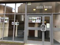 2 Bed Flat Mede House Salisbury Street **Available Now **