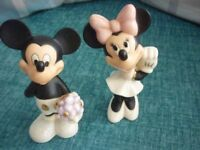 Mickey and Minnie Mouse - Sweetheart Salt and Pepper Pot