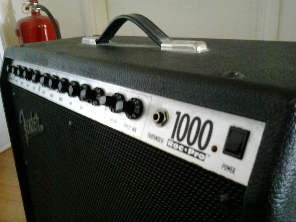 Fender Roc Pro 1000 Combo Guitar Amp Fender Roc Pro 1000 Guitar Amp