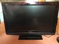 "32"" HD Panasonic Viera LCD TV - £40"