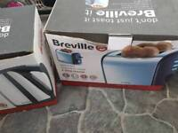 Toaster and kettle like new