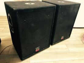 2x Wharfedale Powered active 15'' Bass speaker 1000w