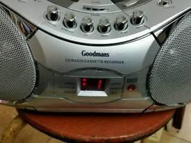 Goodmans cd radio cassette player MODEL GPS161R silver