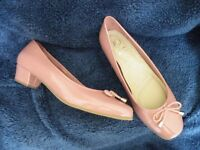 Clarks Shoes, Pink. size 7.