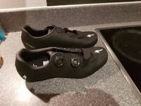 Specialized Torch 3.0 road cycling shoes. Size 42. NEW