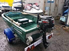 Smartwave 2.4 boat and trailer