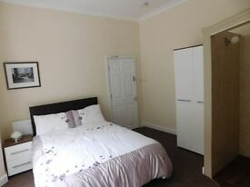room in great house with en-suite and great poeple