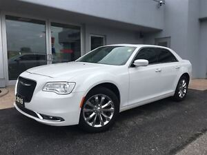 2016 Chrysler 300 Touring LEATHER...NAV