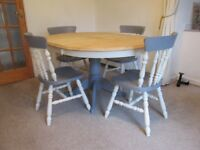 Oval extendable Dining table and four chairs