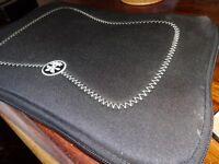 """Crumpler - The Gimp - 10"""" Neoprene Laptop Case / Sleeve"""