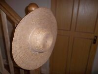 Sun Hat - Sunhat in good condition