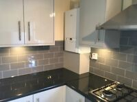 bright newly refurbished 2 bed flat/apartment to let @ E6 2QB excellent location available now!!!