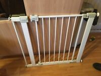Safety 1st Pressure Stairgate with Extension