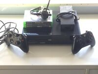 Xbox One 500GB 3 GAMES 2 CONTROLLERS AND 1 MIC ALL WIRES INCLUDED
