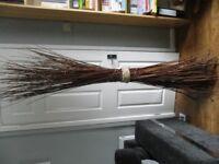 Free-standing decorative twigs