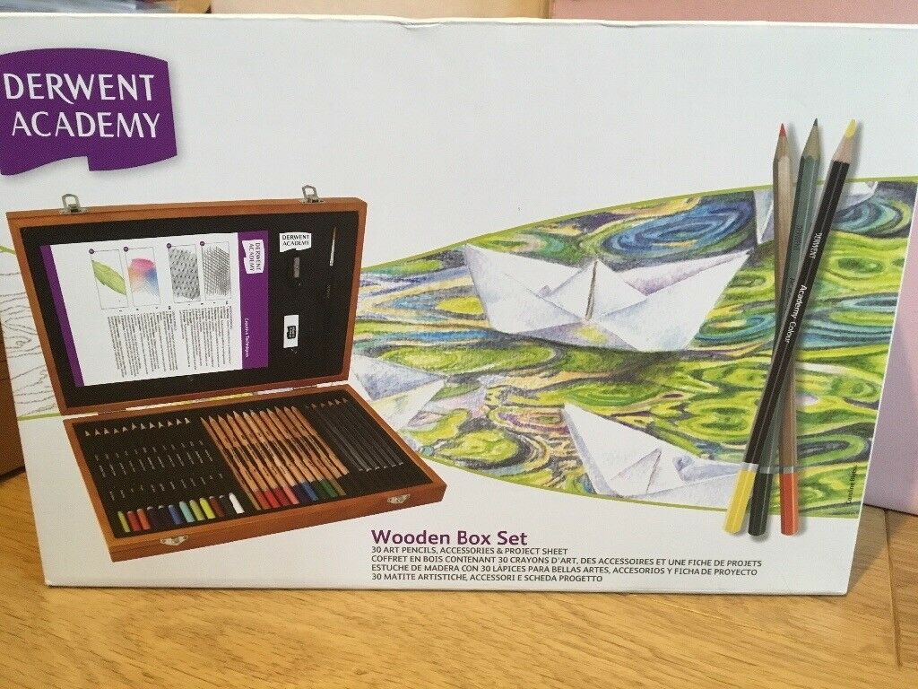 Wooden Drawing Set Derwent Academy NEW