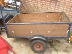 Trailer 5 x 3ft Great condition with lights etc