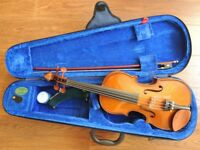 Stentor Student 1 violin, 1/2 size, includes case and bow