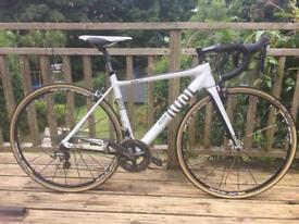Ladies carbon road bike