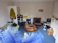 Wood green N22 choice of 2 large furnished room 1 min from tub/bus/shops £130 pw