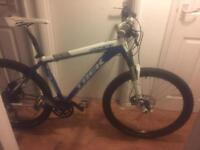 Trek 6500 mtb mountain bike white and blue 45cm frame size
