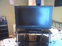 panasonic 32 inch tv and glass tv stand