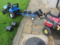Rolly Ride on pedal tractor bale trailer with bales and bale lifter