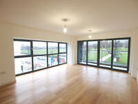 **1,100sqft** Stunning 3 bed 2 bath appartment over looking Finsbury Park in private development