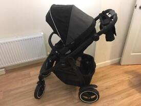 Excellent Graco EVO Pram includes rain cover and foot muff
