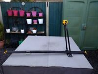 Bike carrier roof mounted Halfords fits most roof bars universal fit for all tyre sizes adjustable