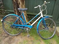Ladies 1966 Vintage Traditional Town Bike 3 speed