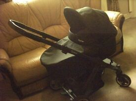 oyster pram in excellent condition