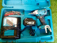 MAKITA IMPACT DRIVER BATTERY AND CHARGER FREE DELIVERY