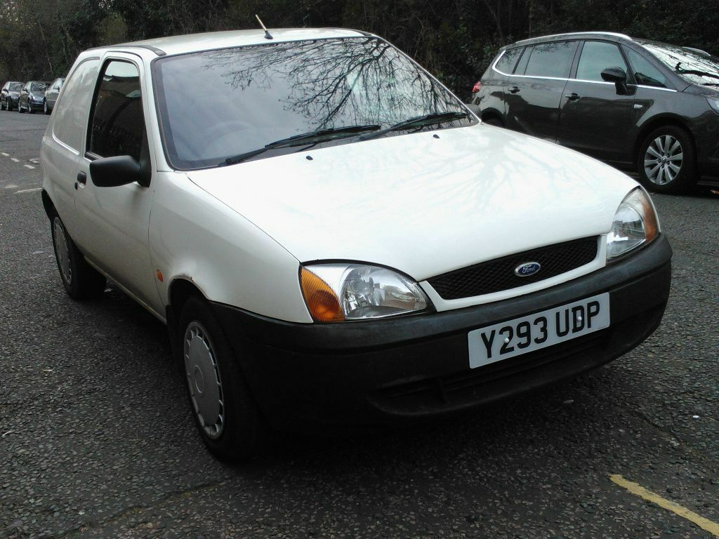 ford fiesta 35 1 8 td diesel van 2001 y reg white 3 doors 5 speed manual pas 104k superb bargain. Black Bedroom Furniture Sets. Home Design Ideas