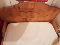 Very solid and well made cot bed