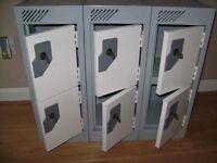 Small belongings lockers