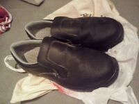 Steel toes kitchen safety shoes
