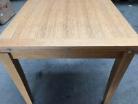 Extendable Oak Veneer Dining Table (90cm/180cm)