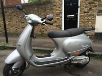 Piaggio Vespa ET4 125cc (silver) 2005 Good condition low mileage